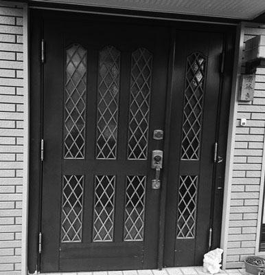 玄関ドア前