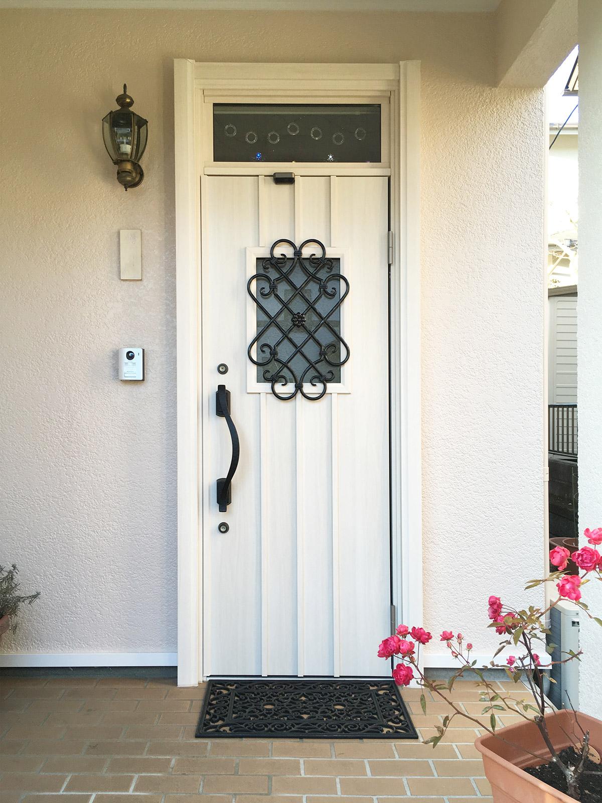 【ダイク株式会社】お洒落なドアにチェンジ♪