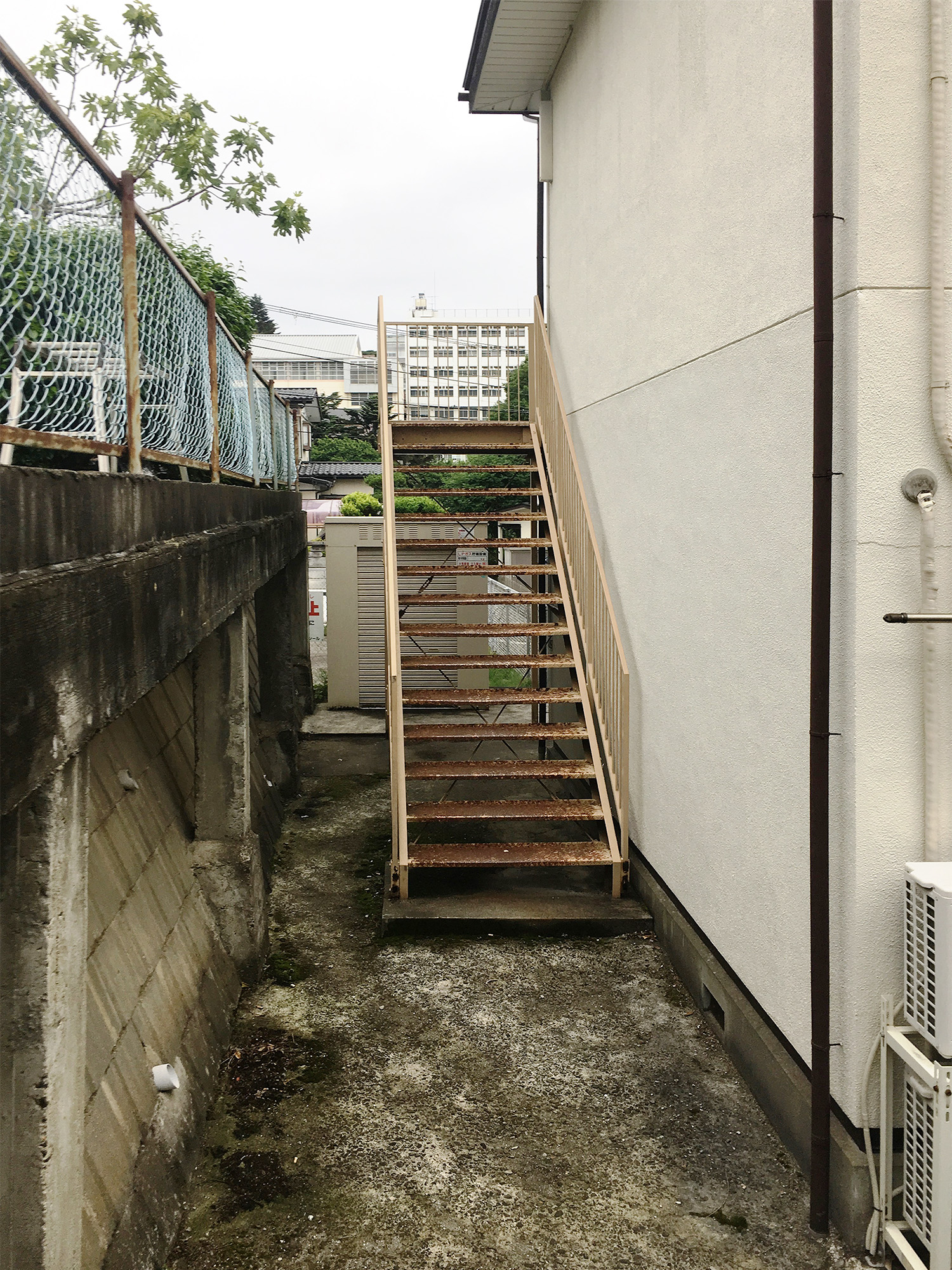 太白区アパート 外壁塗装・外装リフォーム 91万円/工期10日間 施工前