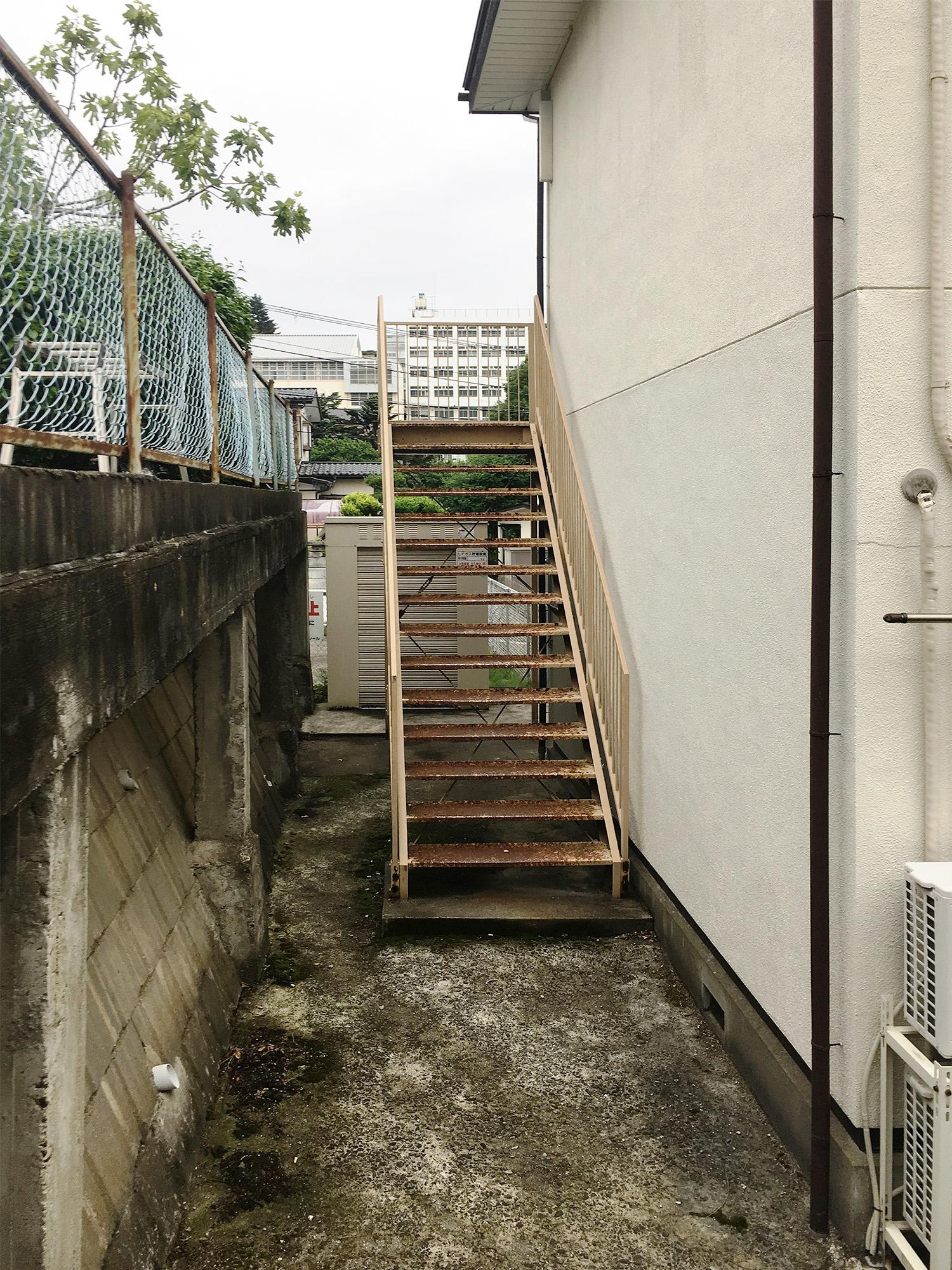 【ダイク株式会社】アパートの外部階段が劣化してきた・・・