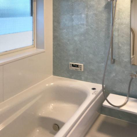 掃除の手間も省ける! 新しく、掃除のしやすい浴室に改修!