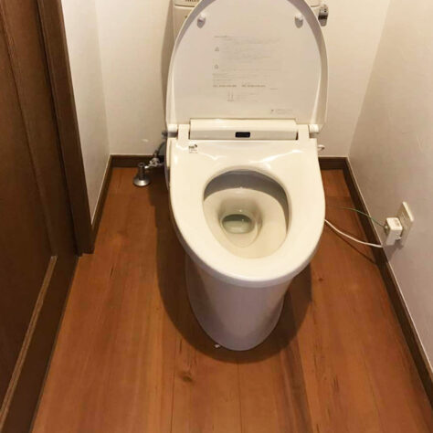 水漏れも直り、きれいなトイレに一新✨トイレ改修工事