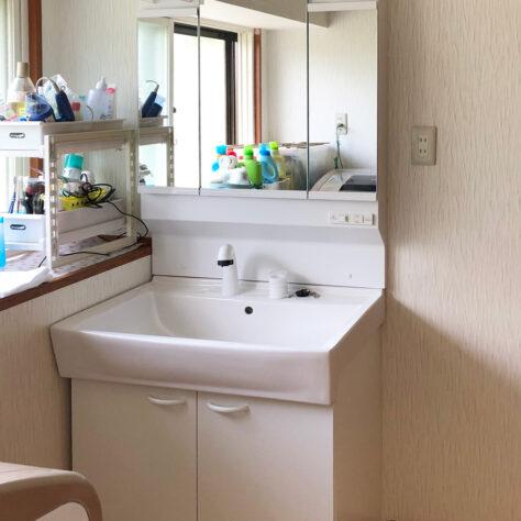使い勝手も良く、お手入れのしやすい洗面台にリフォーム✨